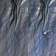 Pair of before (left) and after (right) images from the High Resolution Imaging Science Experiment (HiRISE) camera on NASA's Mars Reconnaissance Orbiter