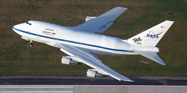 SOFIA taking off from Hamburg, Germany.
