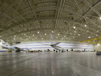 a nasa aircraft in hangar - photo #17