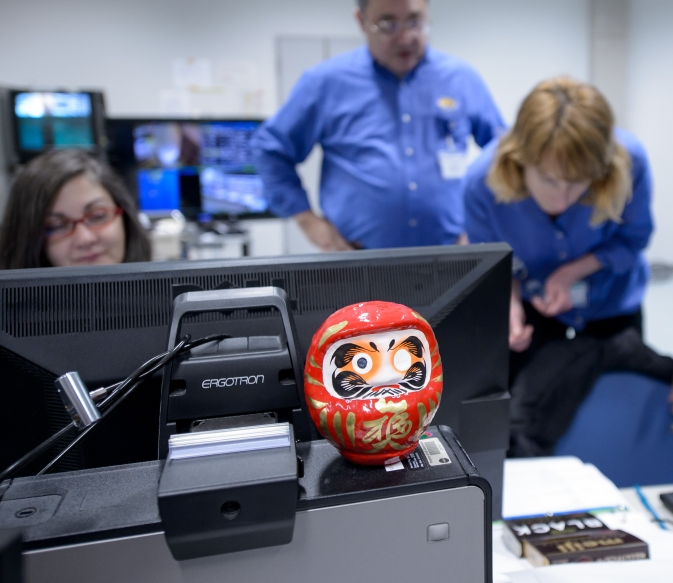 daruma doll and NASA GPM Mission launch team