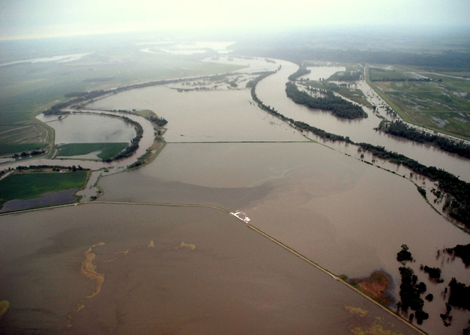 The flooded confluence of the Nishnabotna and Missouri Rivers in Iowa, June 2011