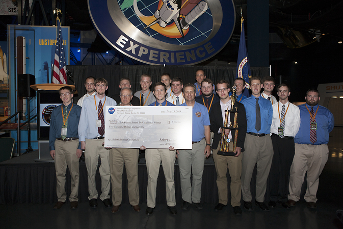 The University of Alabama team Astrobotics won the Joe Kosmo Award for Excellence.