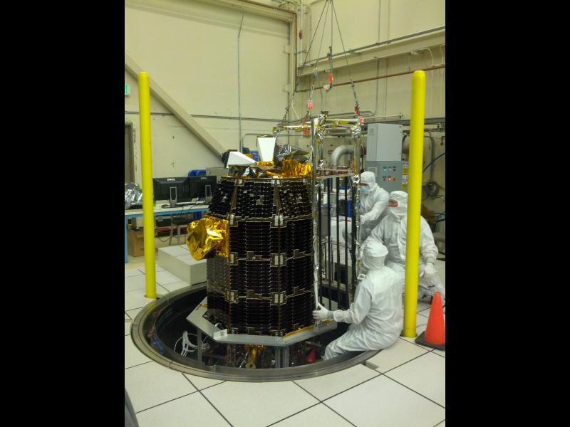 LADEE Thermal Vacuum Preparation | NASA