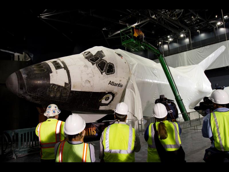 Plastic Wrap Removed from Shuttle Atlantis | NASA