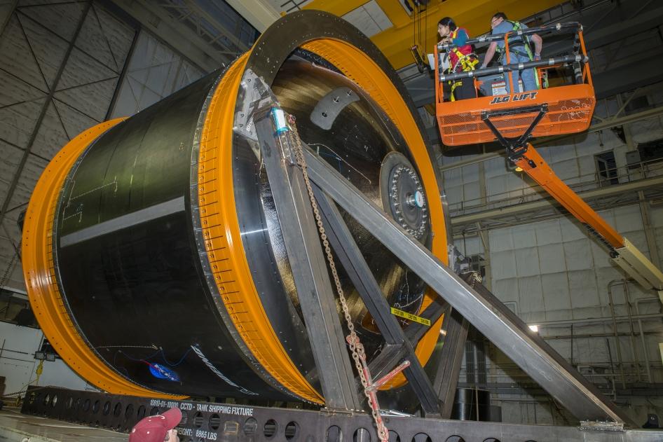 NASA Engineers Prepare Game Changing Cryotank for Testing