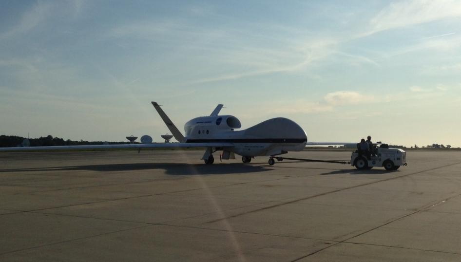 Global Hawk 872 Landing After Second Flight  Leaves for Third Flight    Nasa Global Hawk