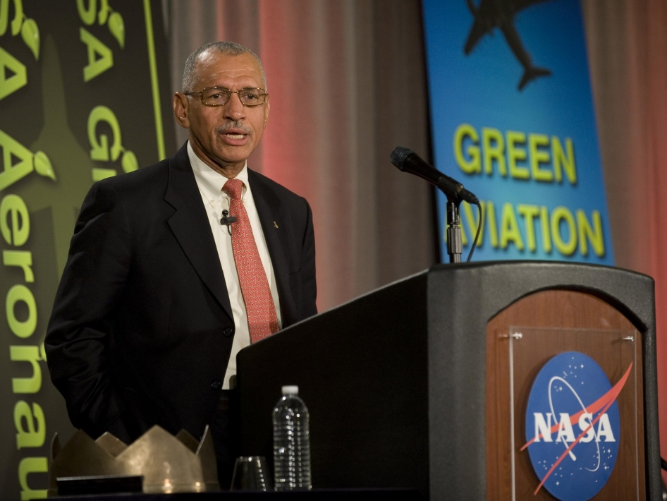 Administrator Addresses Green Aviation Summit