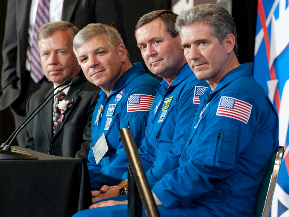 NASA's Men in Blue at Glenn's First Tweetup