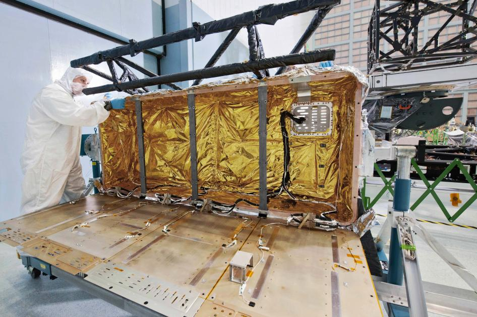The Webb Telescope's Holiday Package
