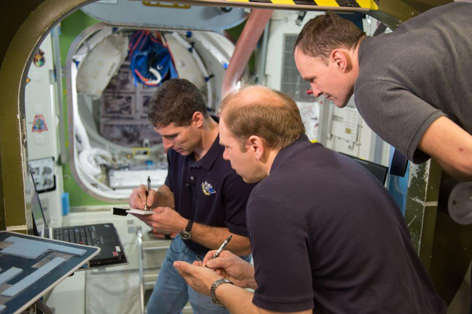 Expedition 37-38 Emergency Scenario Training Session