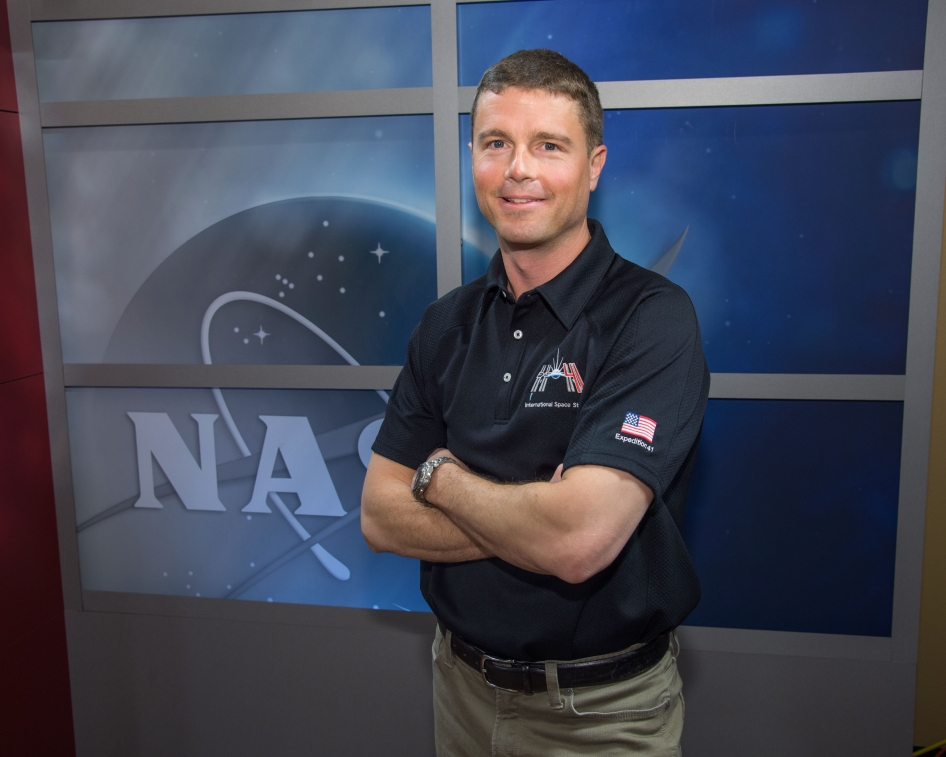 Reid Wiseman Poses for Photos | NASA