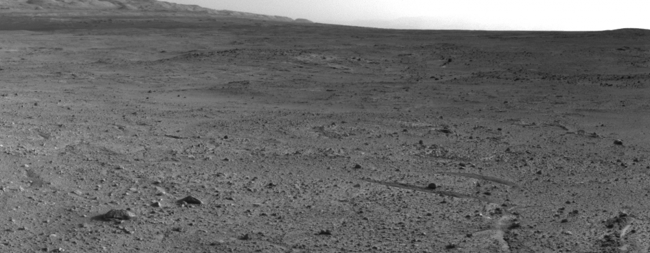 Curiosity's View from 'Panorama Point' to 'Waypoint 1' and Outcrop 'Darwin'