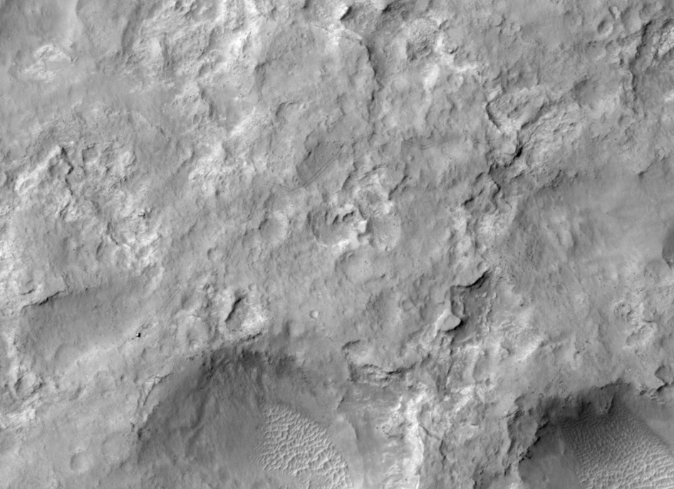 pia17755_hirise_of_rover_dec2013.jpg?ito