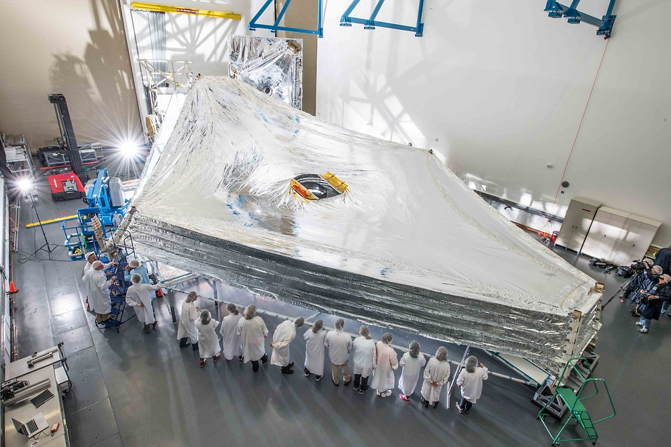 NASA's Webb Sunshield Stacks Up to Test!