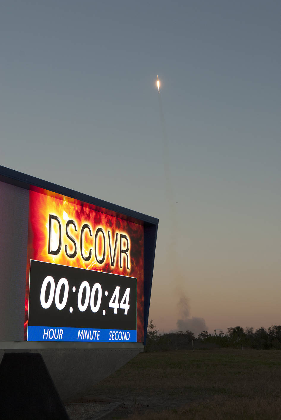 Lancement Falcon-9 / DSCOVR - 11.02.2015 - Page 15 Dscovr_launch_0