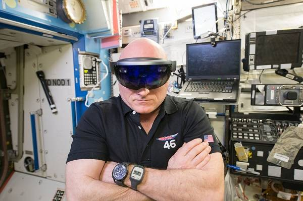 image of astronaut wearing VR goggles