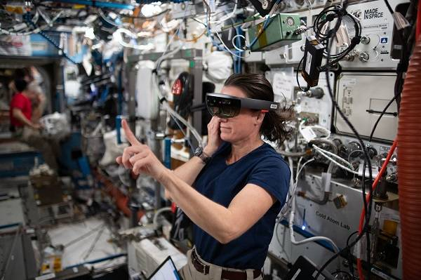image of astronaut working with VR experiment