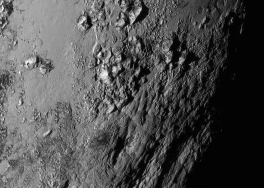 Nærbillede af Pluto's overflade fra New Horizon