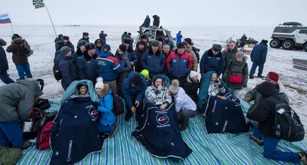 Soyuz With Expedition 54 Trio Aboard Returns to Earth 26657737478_0e0a3ab138_o