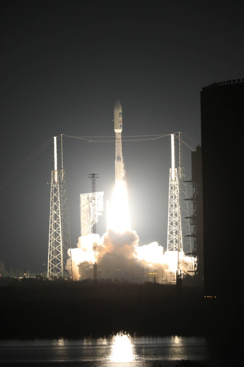 Atlas V lifts off