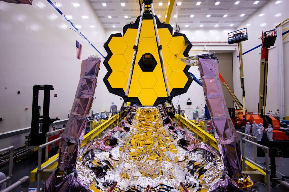 Das James Webb-Weltraumteleskop während der Spiegelbereitstellungstests im März 2020