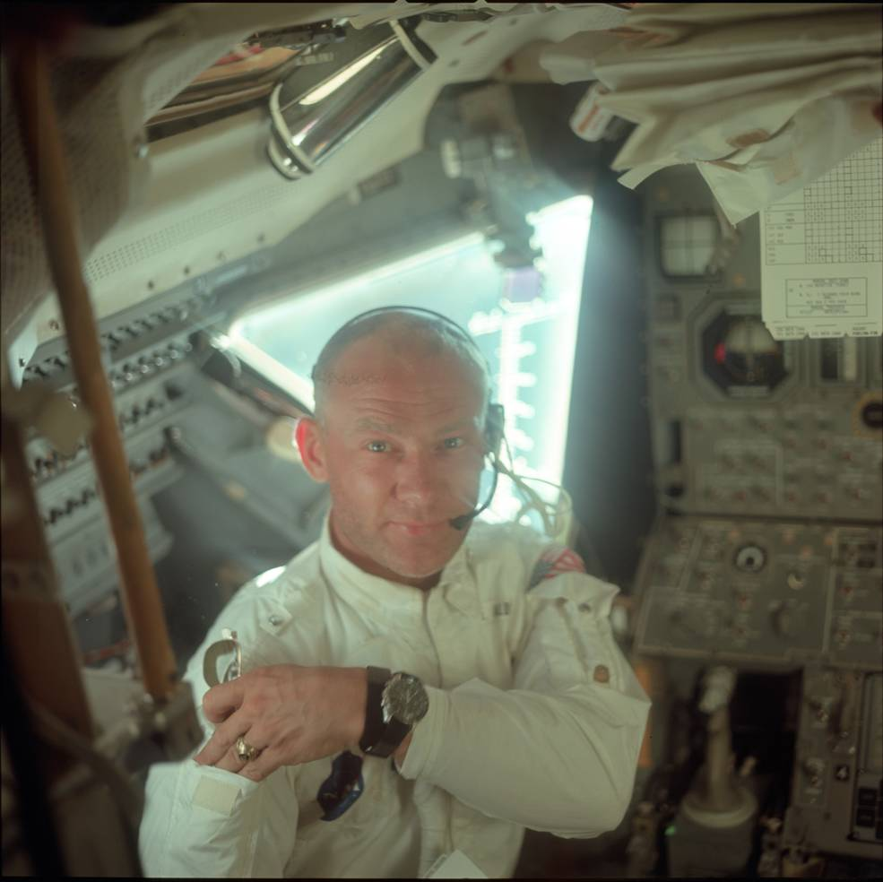 apollo_11_fd3_aldrin_in_lm_during_checkout