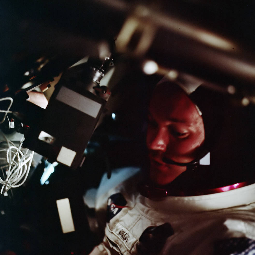 apollo_11_orbit_1_collins_w_tv_camera