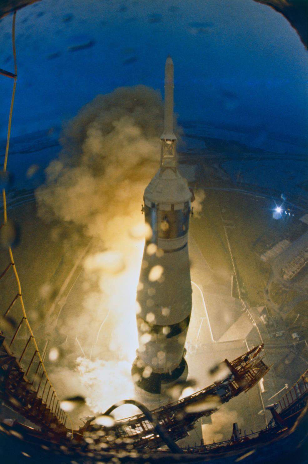 apollo_12_launch_from_lut_seq_3_nov_14_1969