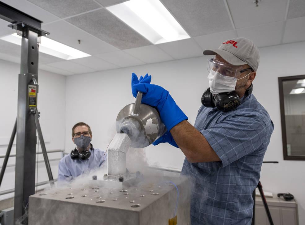 Los nuevos engranajes pueden soportar impactos y temperaturas bajo cero durante las misiones lunares.