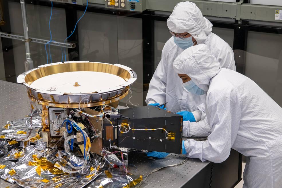 La primera misión de la NASA a los asteroides troyanos instala su último instrumento científico