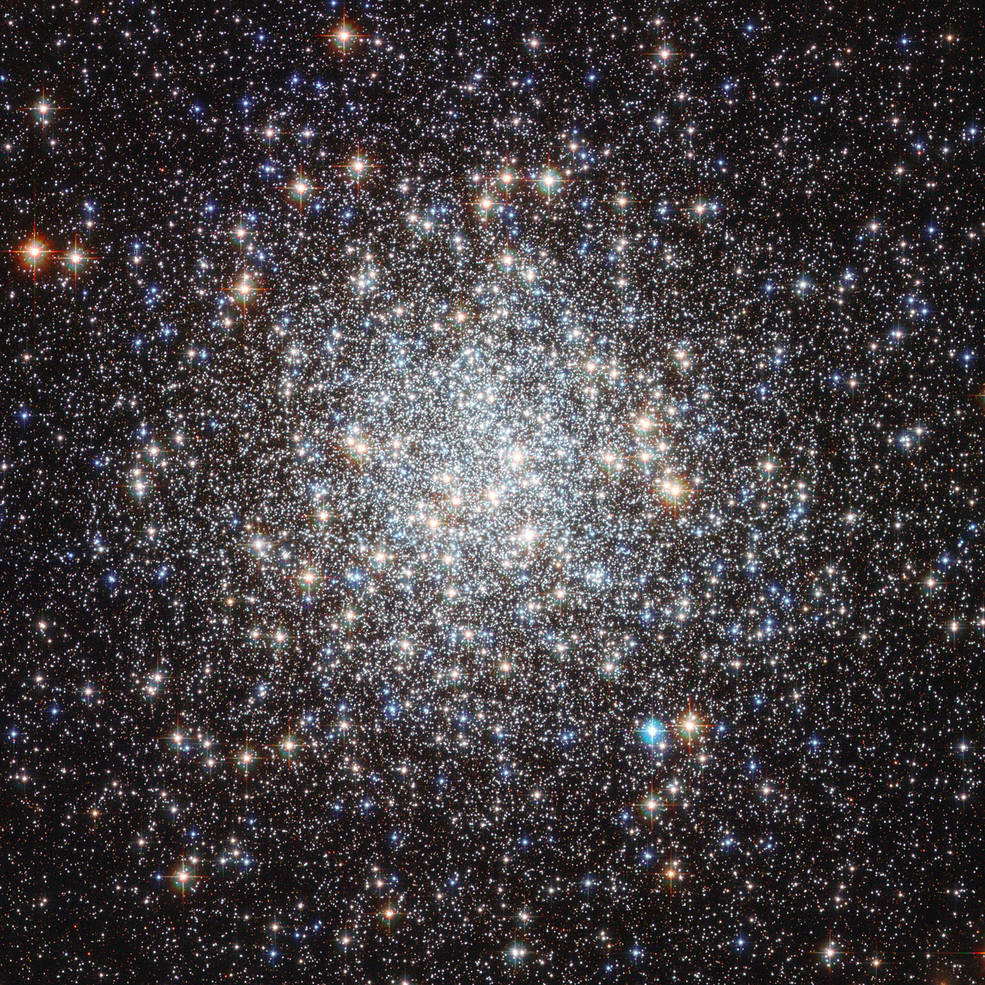 Hubble view of M9