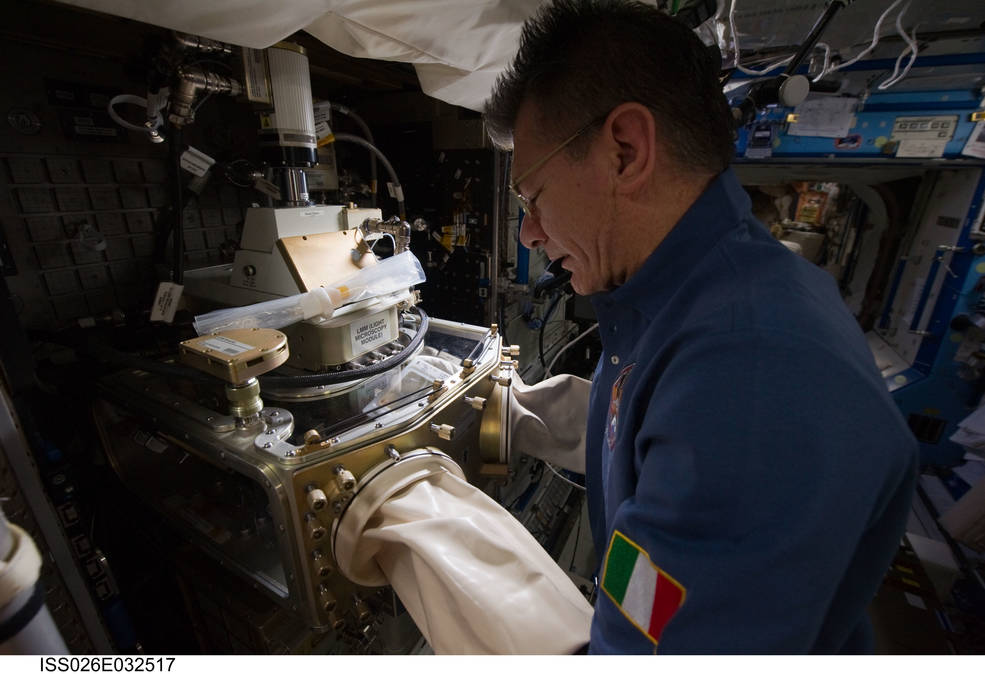 Space station crew cultivates crystals for drug for Drugs in space