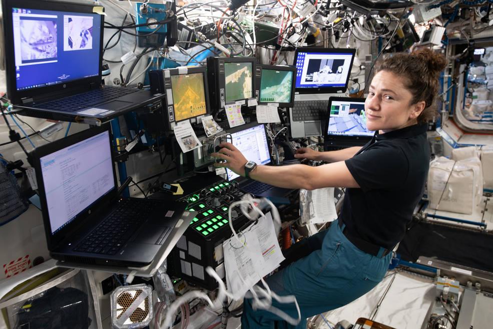 NASA astronaut Jessica Meir controlling the Canadarm2 robotic arm