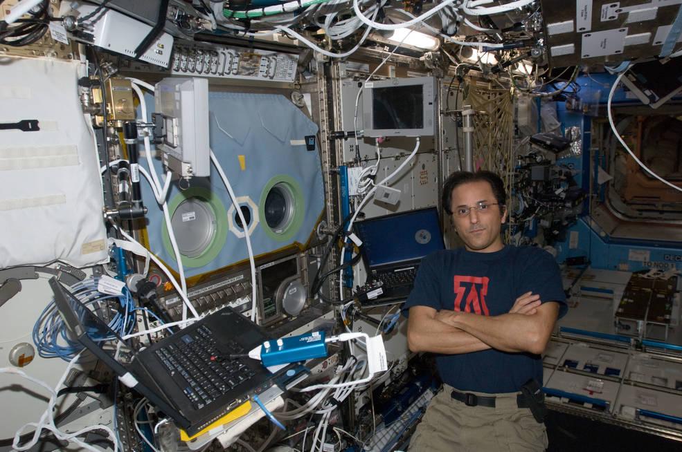 NASA astronaut Joe Acaba, Expedition 32 flight engineer,