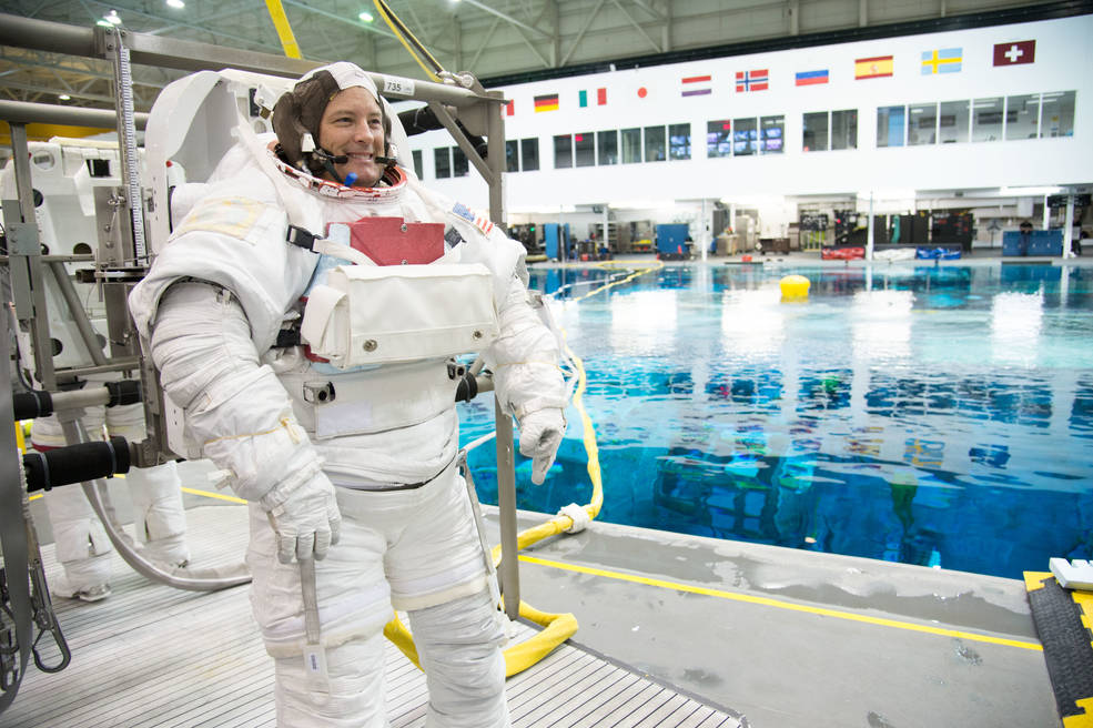 NASA astronaut Scott Tingle completes spacewalk training in the Neutral Buoyancy Laboratory at NASA's Johnson Space Center