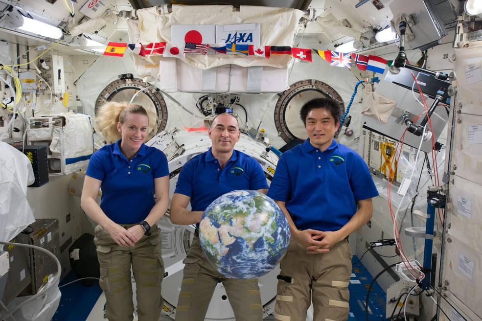Expedition 49 crew members Kate Rubins of NASA, Anatoly Ivanishin of Roscosmos and Takuya Onishi of the Japan Aerospace Agency.