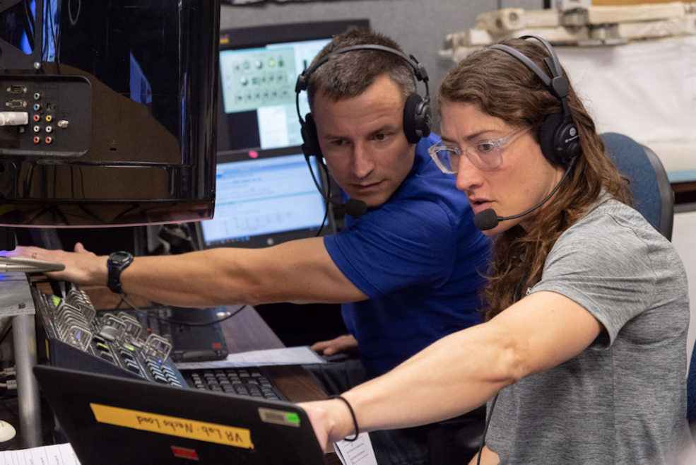 Expedition 60 crew members Christina Koch and Andrew Morgan take part in ROBO VR Lab training