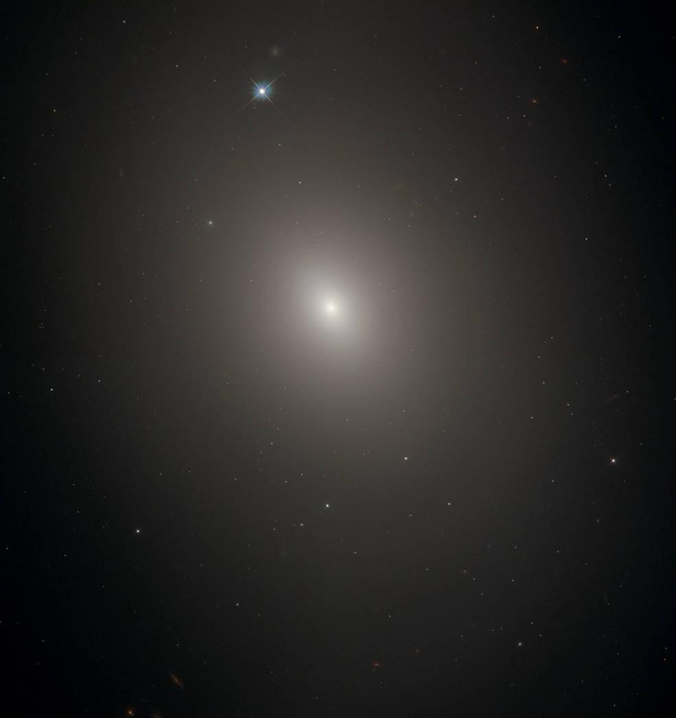 Hubble image of M85