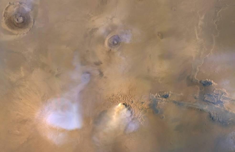 Tres orbitadores de Marte aportan datos sobre la pérdida del agua en el Planeta rojo