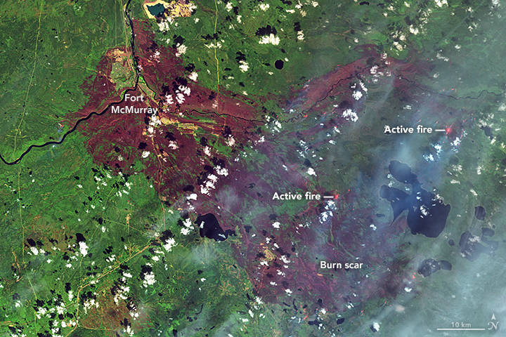 Landsat 8 image of the Fort McMurray fire