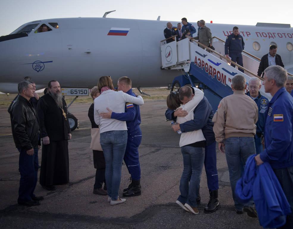 Expedition 57 Flight Engineer Alexey Ovchinin of Roscosmos and Flight Engineer Nick Hague of NASA