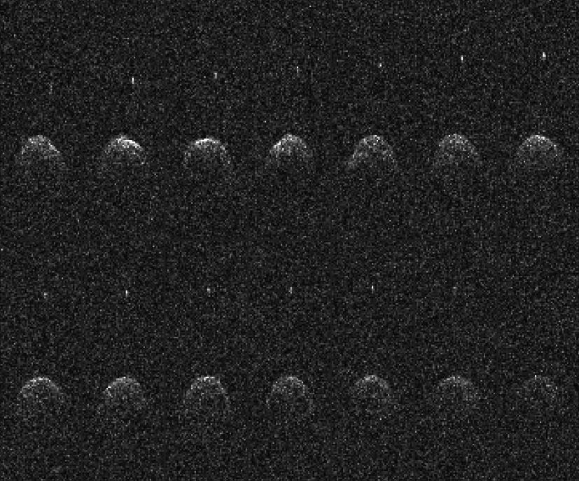 ภาพเรดาร์จากกล้องวิทยุ Arecibo ของดาวเคราะห์น้อย (65803) Didymos ถ่ายเอาไว้เมื่อวันที่ 23, 24 และ 26 พฤศจิกายน ปี ค.ศ. 2003