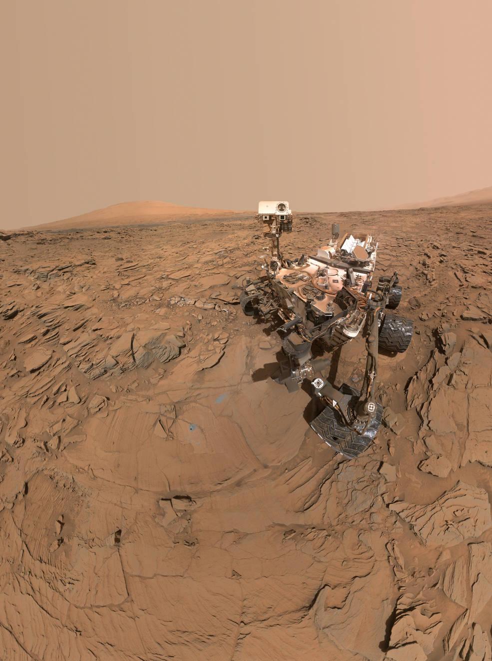 Mars roveren Curiosity sætter nu kursen op ad Mounbt Sharp