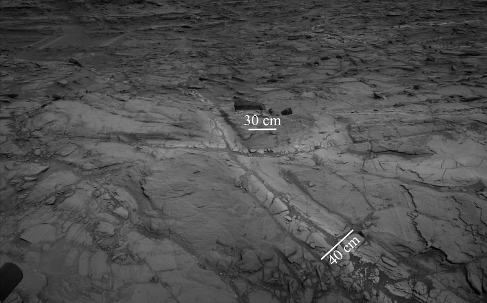 "Pale zones called ""halos"" border bedrock fractures"