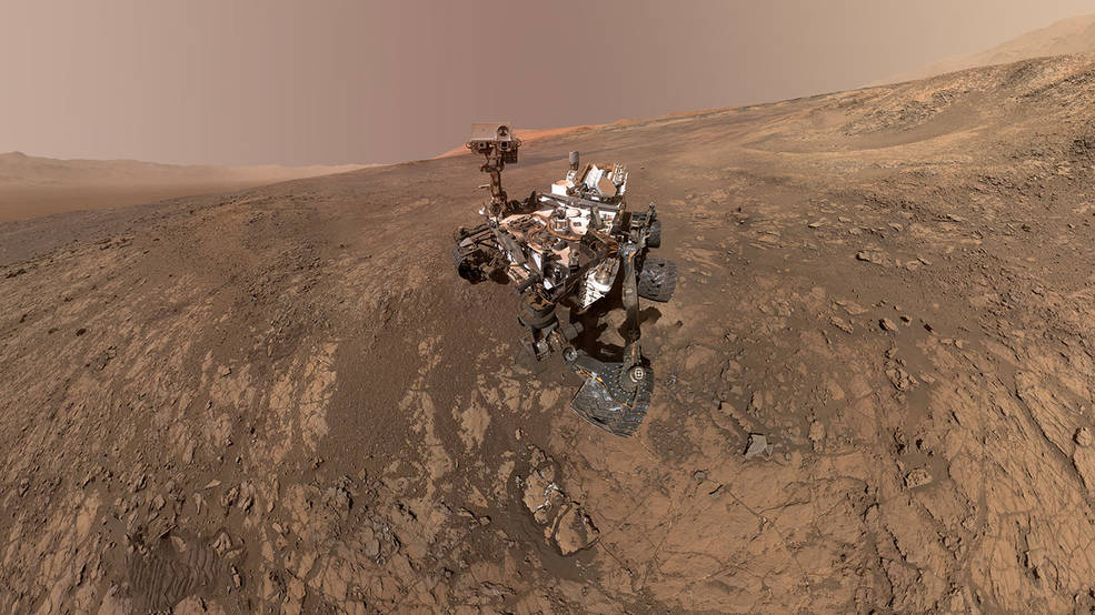Mount Sharp 'Photobombs' Mars Curiosity Rover Pia22207-16