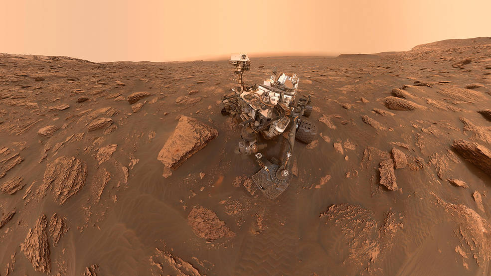 8 postales marcianas para celebrar el aniversario del aterrizaje de Curiosity.