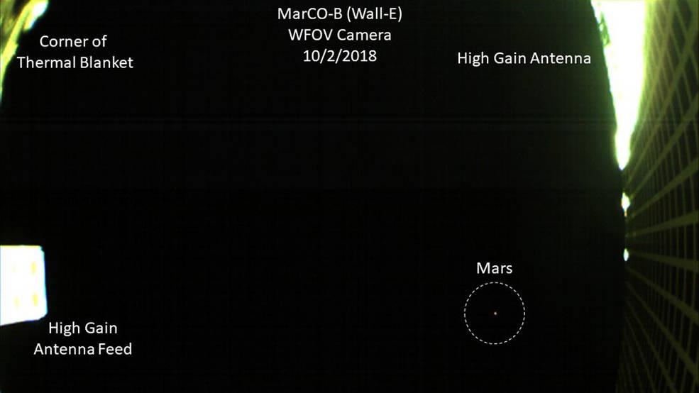 MarCO, první snímek Marsu