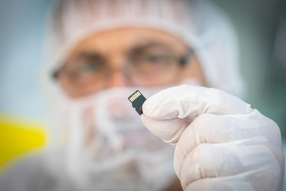 memory card containing 1,137,202 names for Parker Solar Probe