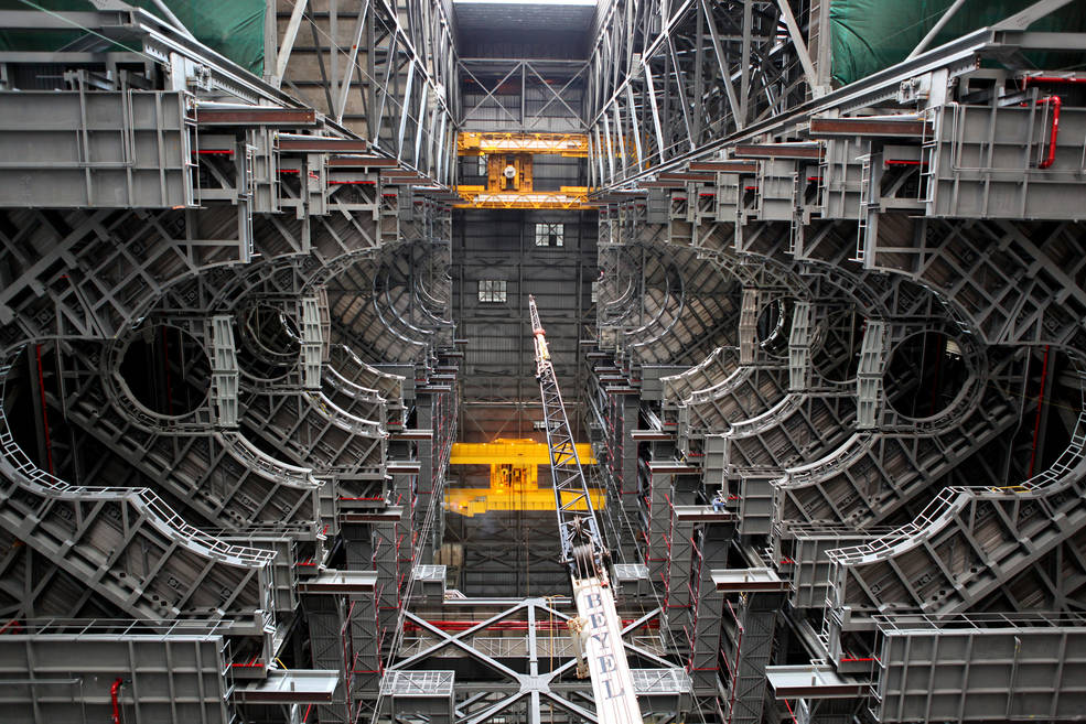 The final platform, A north, is installed in High Bay 3 in the Vehicle Assembly Building.
