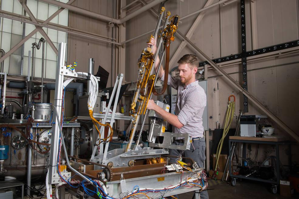 La NASA selecciona Intuitive Machines para aterrizar la carga útil de medición del agua en la Luna.